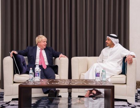 عبدالله بن زايد يستقبل وزيري الخارجية البريطاني والياباني ويبحث مع كل منها العلاقات المشتركة
