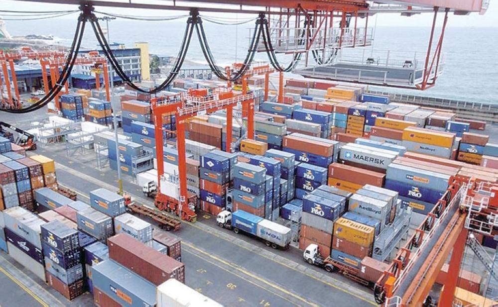 ارتفاع حجم تجارة الإمارات غير النفطية إلى 426 مليار دولار نهاية 2016