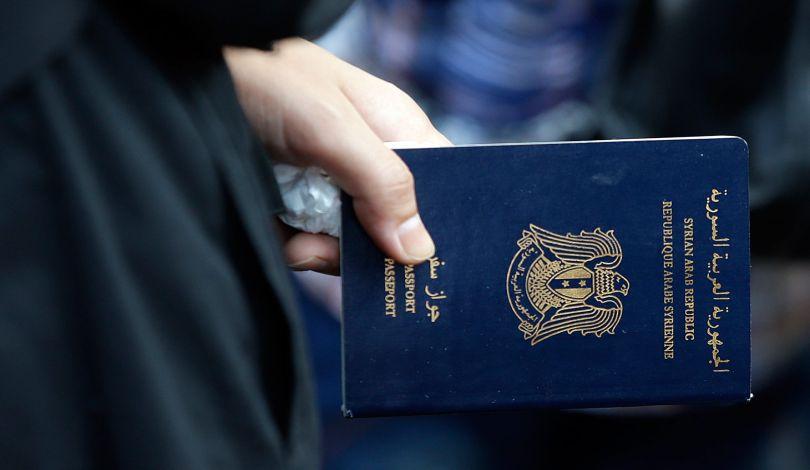 (مرصد حقوقي) الإمارات تمارس الترحيل القسري بحق عائلات سورية