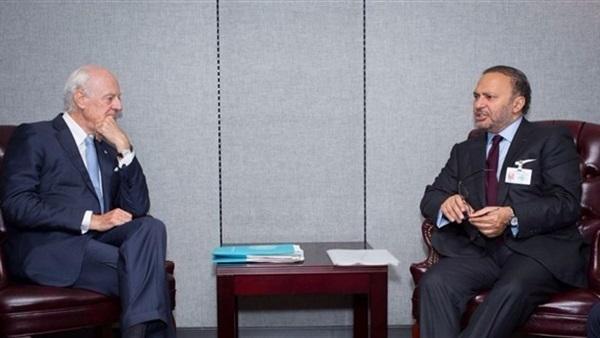 قرقاش يؤكد للمبعوث الأممي لسوريا دعم الإمارات لجهود الحل السياسي