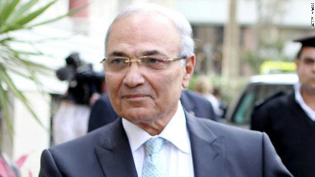 حالة تذمر لدى أبوظبي جراء رفض السيسي عودة شفيق للحياة السياسية في مصر