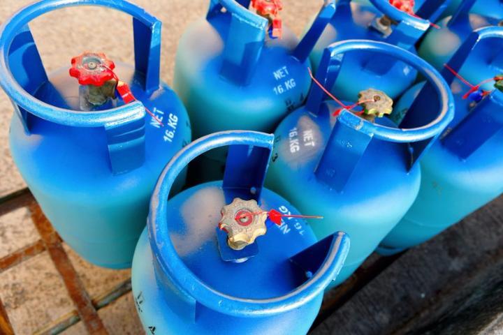 رفع أسعار الغاز المسال بالإمارات