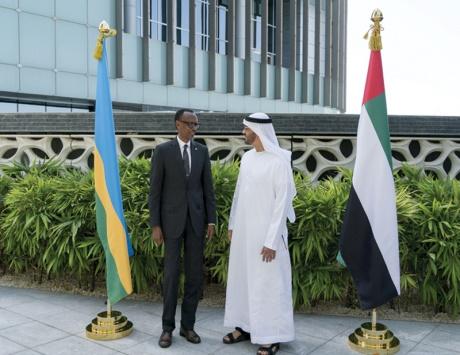 محمد بن زايد يبحث مع رئيس رواندا العلاقات بين البلدين