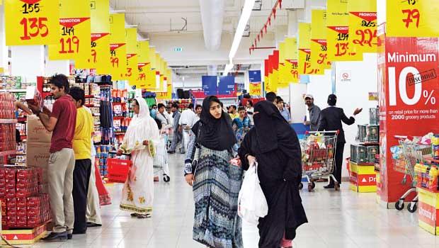 الإمارات و ضريبة القيمة المضافة... آثار سلبية على المواطن والشركات