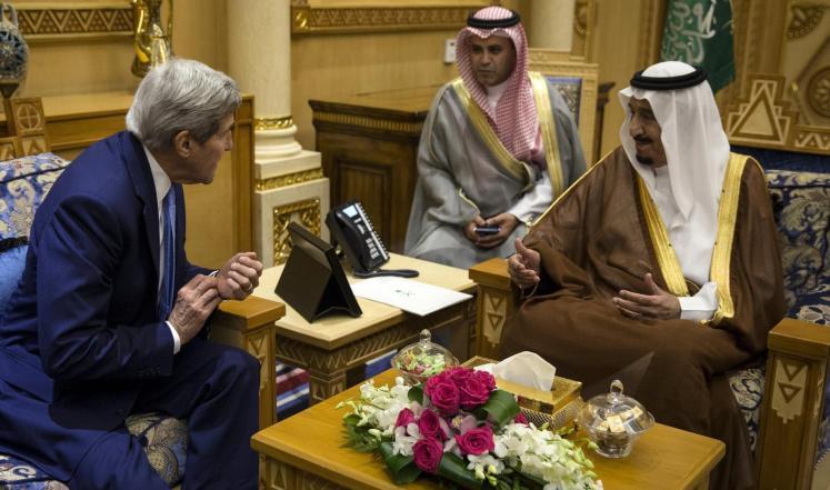 كيري يصل إلى السعوديةلبحث تطورات الملف اليمني