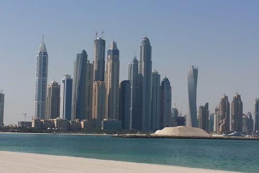 لوموند الفرنسية: الإمارات
