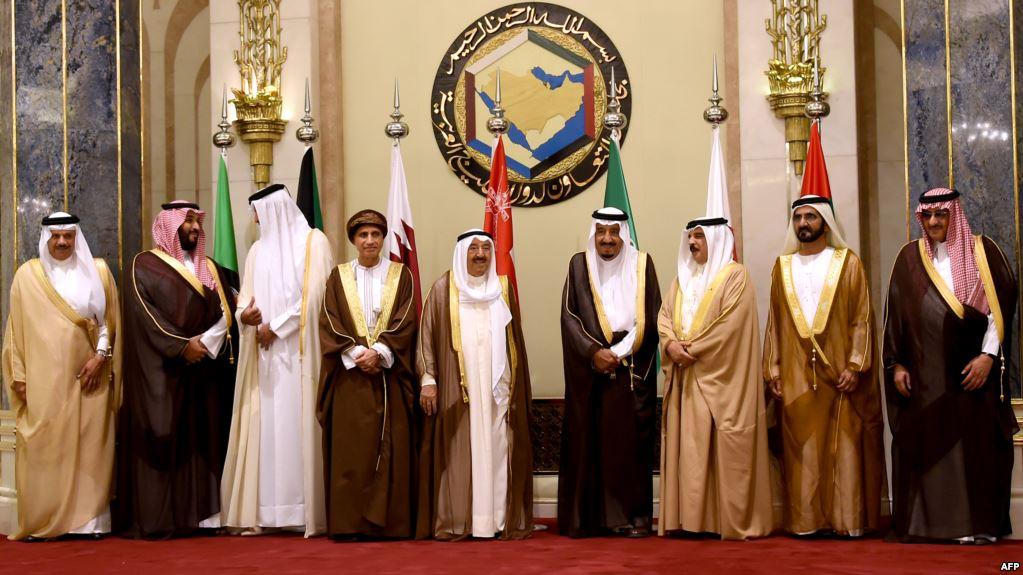 لوفيغارو: إيران المستفيد الوحيد من أزمة الخليج