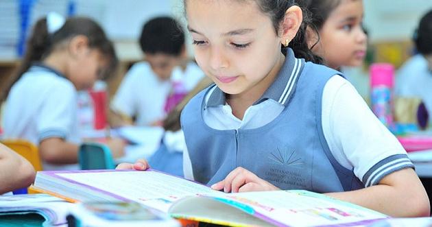 غلاء أقساط المدارس في الإماراتيُنْفِر الاستثمار والأعمال