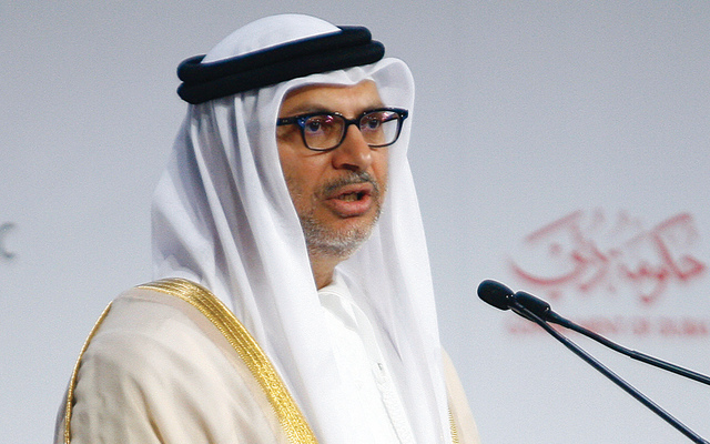 قرقاش يدافع عن دور الإمارات بالمنطقة ويصفه بغير الأناني والساعي لاستقرار العرب