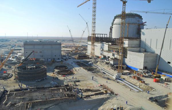 كوريا الجنوبية توقع اتفاقا لتشغيل أول محطة نووية في الإمارات