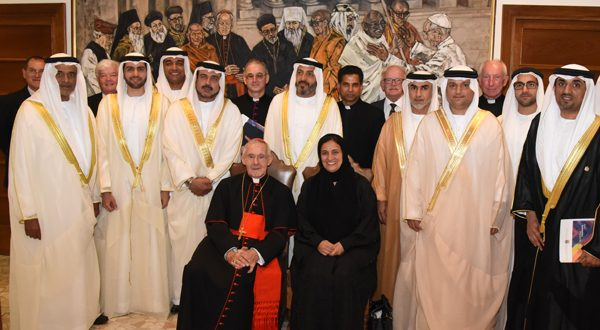 وفد من الإمارات برئاسة القاسمي يلتقي بابا الفاتيكان لبحث تعزيز قيم التسامح!