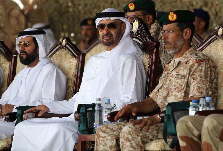 موقع أمريكي: الإمارات توظف ضباطا من دول أجنبية لقيادة عملياتها في اليمن
