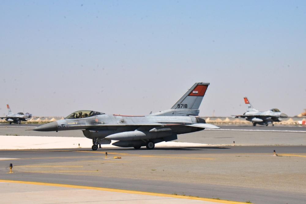 قوات مصرية تتوجه للإمارات والبحرين للمشاركة في مناورات