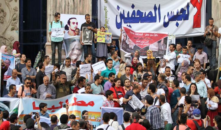 تقرير حقوقي يسلط الضوء على انتهاكات واسعة بحق الصحفيين في العالم العربي