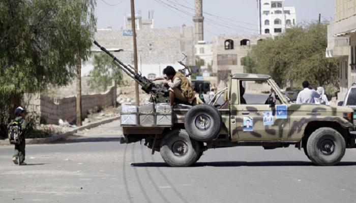 الحوثيون ينهبون 200 شاحنةمساعدات و انشقاق 20 من قياديي حزب المخلوع صالح