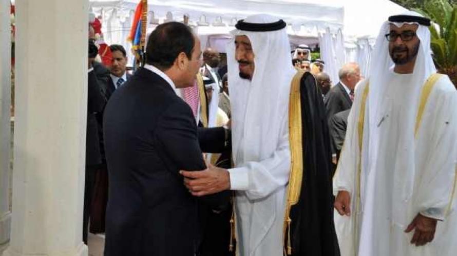 الغارديان: لهذا استثنى ترامب الإمارات والسعودية ومصر من قرار حظر دخول أميركا