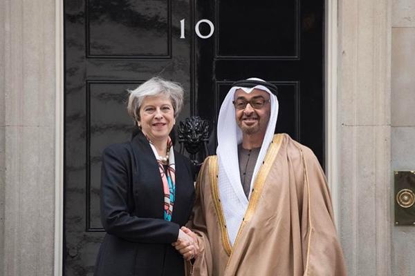 محمد بن زايد يلتقي  رئيسة الوزراء البريطانية في لندن