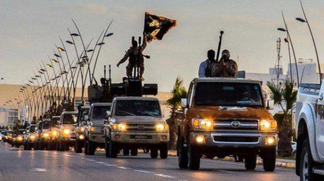 بدعوى الرد على حادثة المنيا...السيسي يقصف مواقع الثوار في درنة بليبيا
