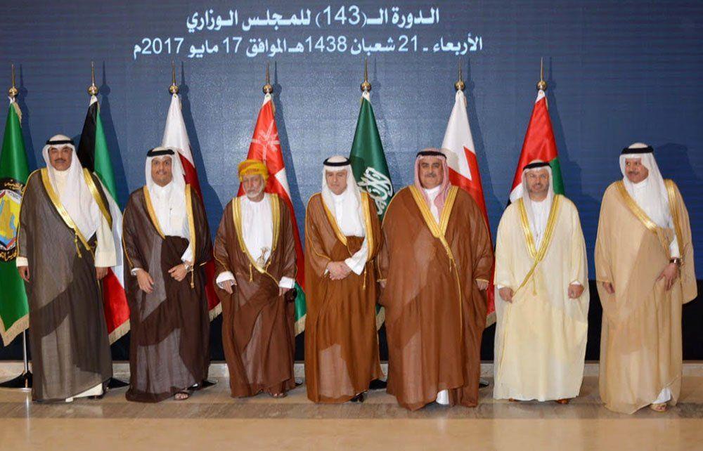 قرقاش يمثل الدولة في اجتماع وزراء خارجية