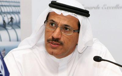 وزير الاقتصاد يبرر رفع أسعار التأمين على السيارات بالإمارات لـ