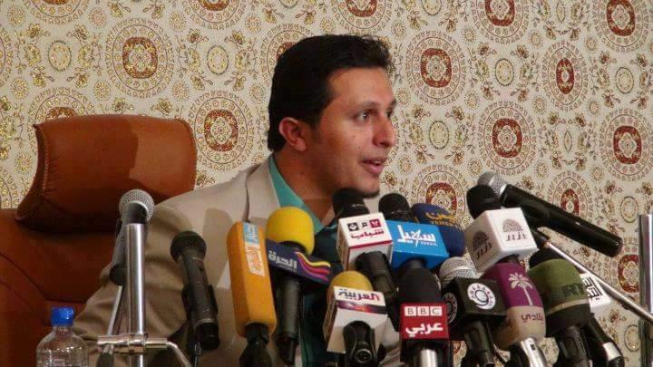 مستشار وزير الإعلام اليمني يرد على قرقاش بعد مطالبته بعودة نجل المخلوع صالح لليمن
