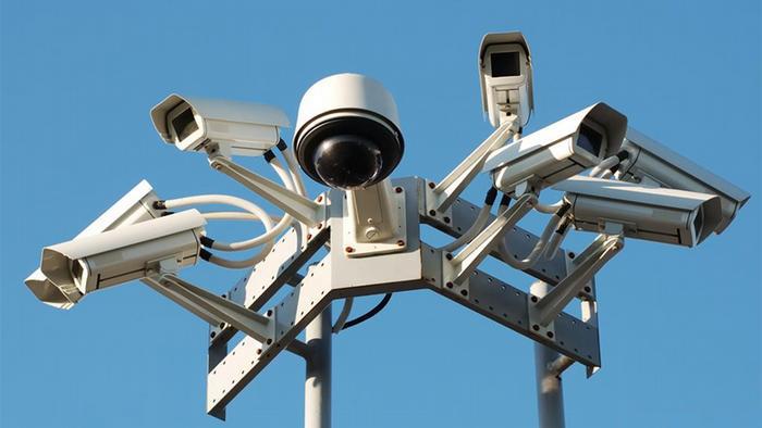 مدير مؤسسة تنظيم الصناعة الأمنية: دبي  مغطاة بـ 200 ألف كاميرا مراقبة
