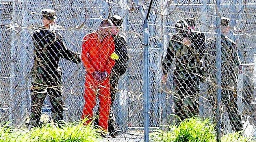 ترحيل 3 من معتقلي غوانتانامو إلى أبوظبي