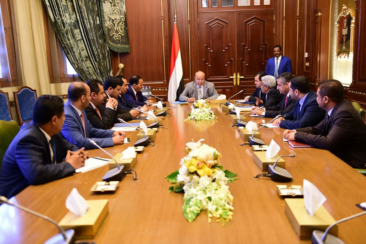 الرئيس اليمني يرفض مطالب إماراتية بإقالة وزيرا الداخلية والنقل في حكومته