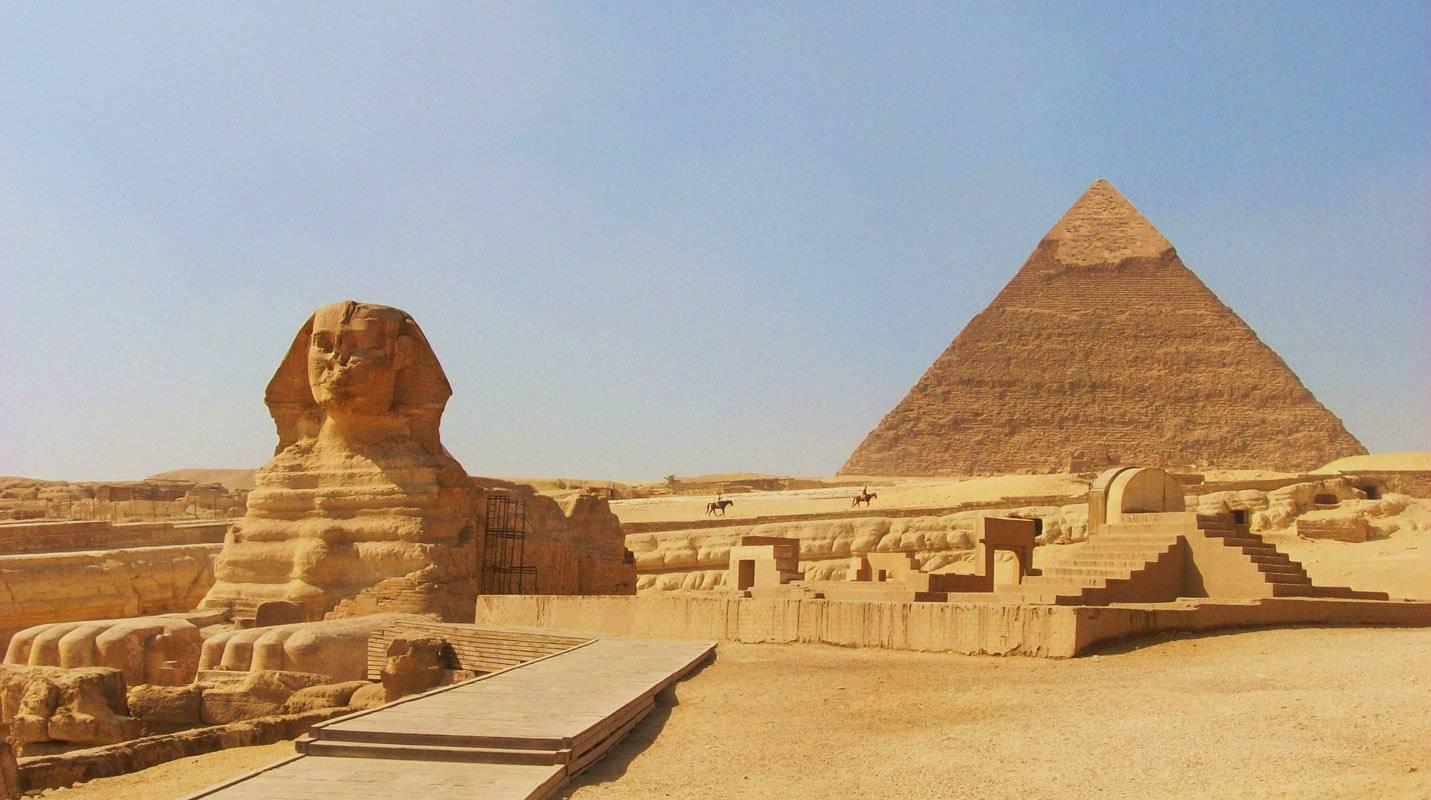 مصر : اتفاقية مع شركة إماراتية لإدارة منطقة الأهرامات في القاهرة لمدة 20 عاماً