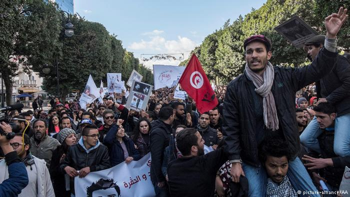تسريب لشخصية مقربة من الإمارات تحرض على تأجيج الاحتجاجات في تونس