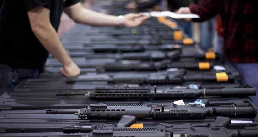 منظمة دولية تطلب من بريطانيا وقف تصدير السلاح إلى الإمارات