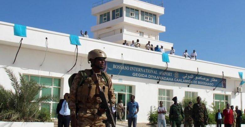 احتجاز عسكريين إماراتيين في مطار بالصومال