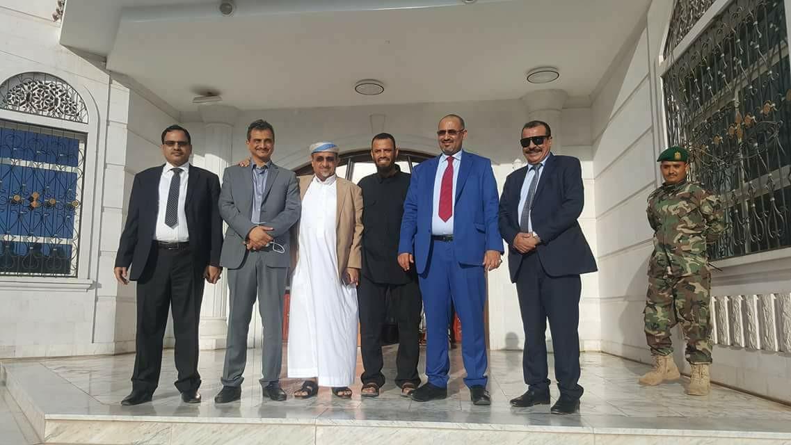 عودة رئيس المجلس الانتقالي لعدن قادماً من الإمارات قبيل زيارة المبعوث الأممي لليمن