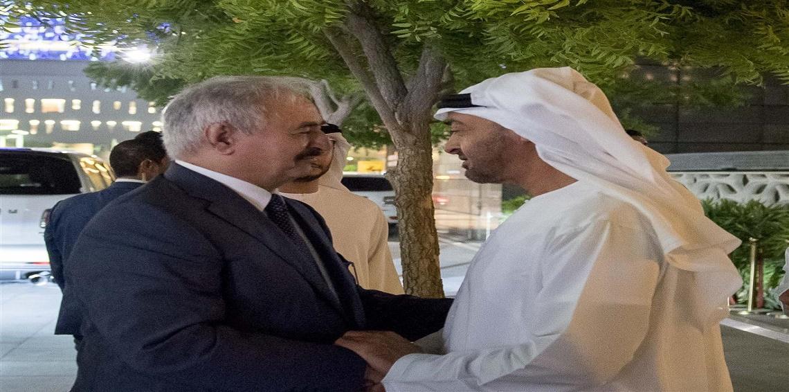 احتدام الخلافات بين أبوظبي والقاهرة مع أطراف ليبية حول بديل الجنرال حفتر
