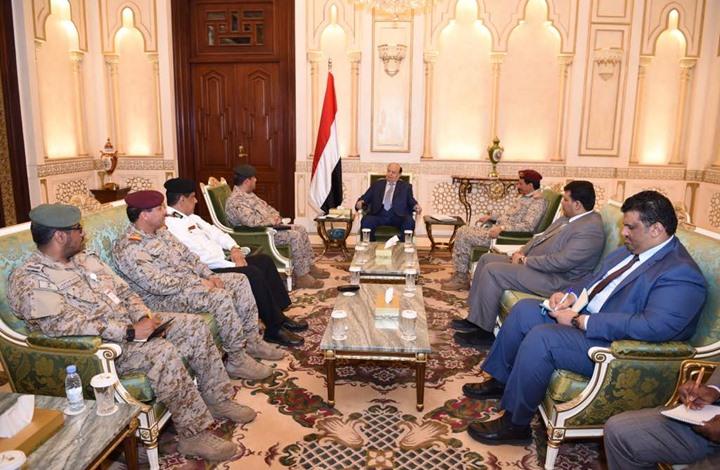الرئيس اليمني يلتقي اللجنة السعودية المعنية بحل أزمة سقطرى مع الإمارات