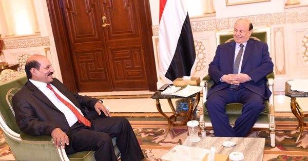 هادي يعين معارضاً لسياسة الإمارات في اليمن رئيسا للاستخبارات