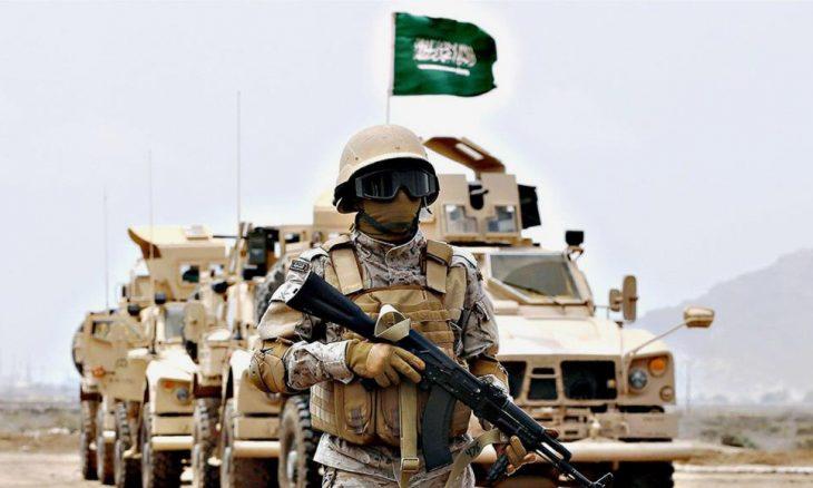 قوات سعودية تعيد انتشارها بمداخل عاصمة سقطرى واشتباكات داخل معسكر لمتمردين مدعومين إماراتياً