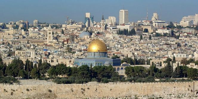 مزاعم عن دور لرجل أعمال إماراتي في شراء عقارات بالقدس لصالح الاحتلال الإسرائيلي