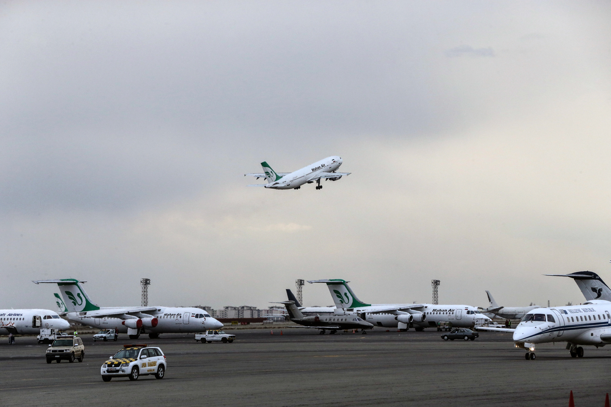 عقوبات أمريكية على شركات طيران إيرانية ووكلائها في الإمارات