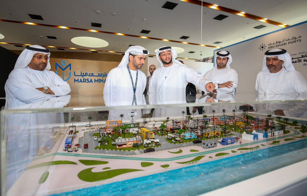 بلومبيرغ: المخاطر تهدّد قطاع الأعمال في الإمارات بعد 10 سنوات نمواً