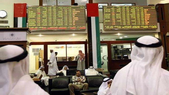 الإمارات تتخذ عدة قوانين وإجراءات لإنعاش الاستهلاك وكبح الركود