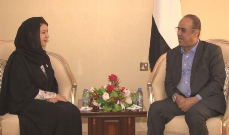 وزير الداخلية اليمنية يطالب الإمارات بإغلاق سجونها في بلاده وإخضاعها للقضاء