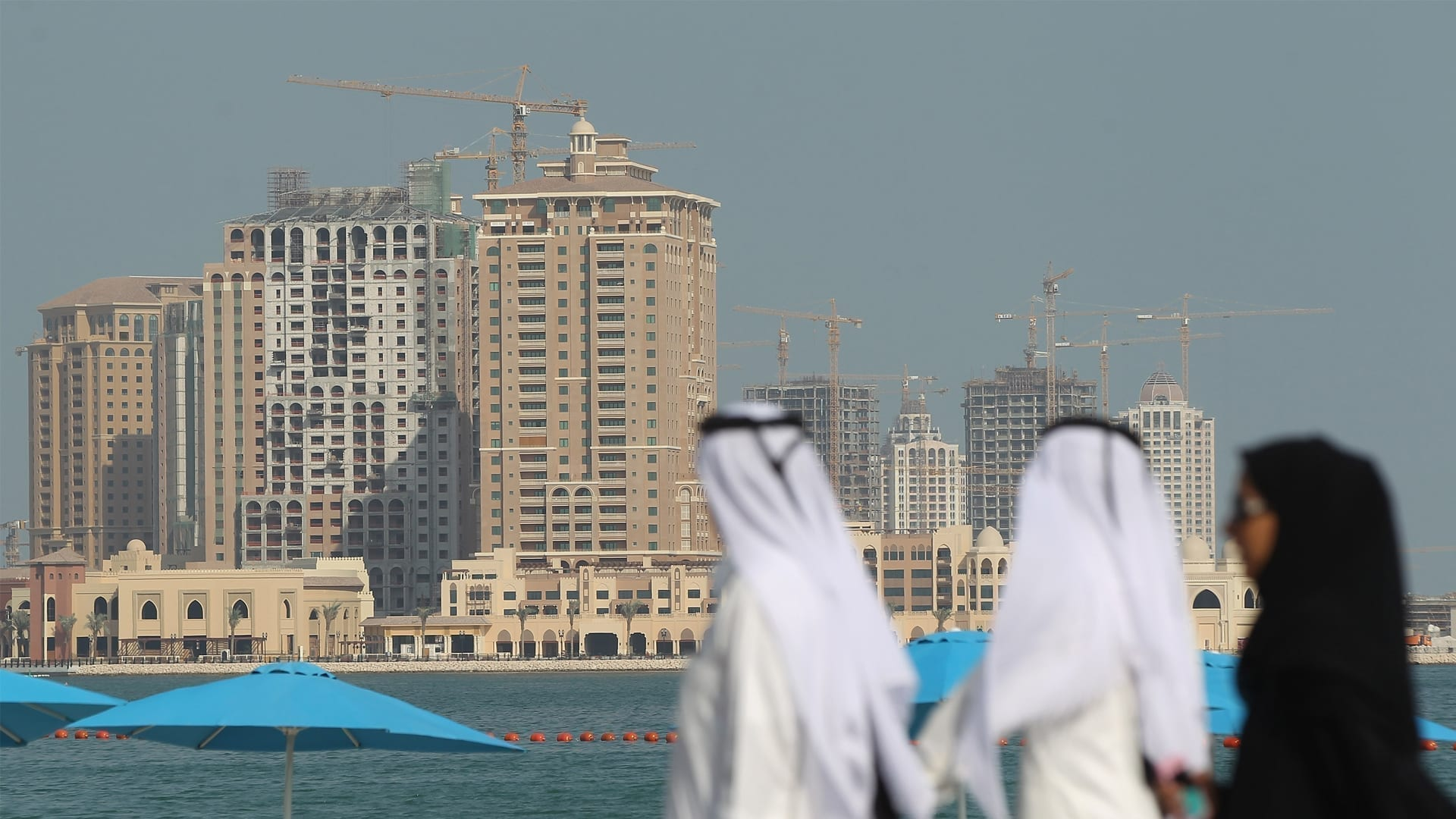 تفاقم الأزمات التي تواجه الاقتصاد الإماراتي مع زيادة انتشار وباء