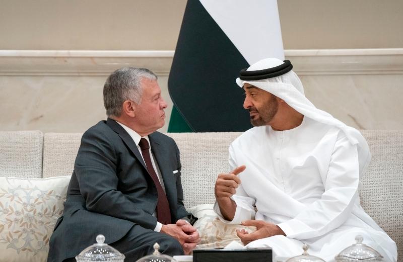 محمد بن زايد يبحث مع ملك الأردن المستجدات الإقليمية