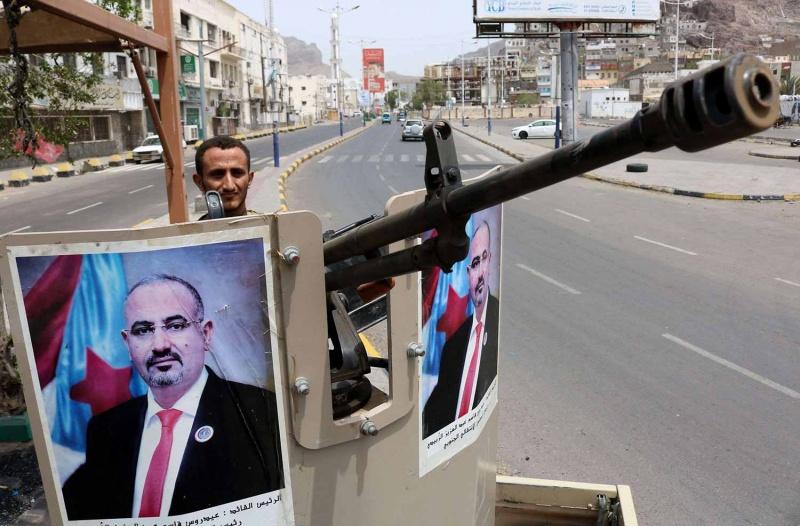 قوات مدعومة إماراتياً تمنع إمداد حكومة اليمن بالوقود