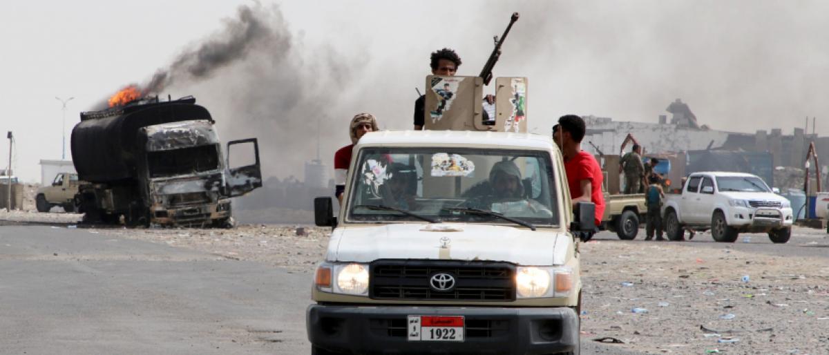 مواجهات بعدن بين مليشيات مدعومة من أبوظبي وقوات تدعمها الرياض