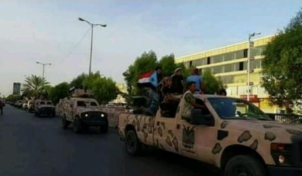 وصول دفعتين من مقاتلي كتائب أبوالعباس المدعومة من الإمارات إلى عدن بعد مغادرتها تعز