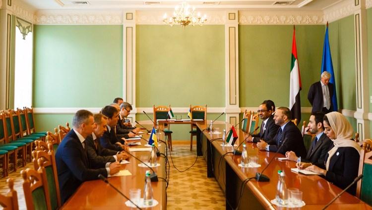 قرقاش يترأس الاجتماع الوزاري للجنة المشتركة بين الإمارات وأوكرانيا