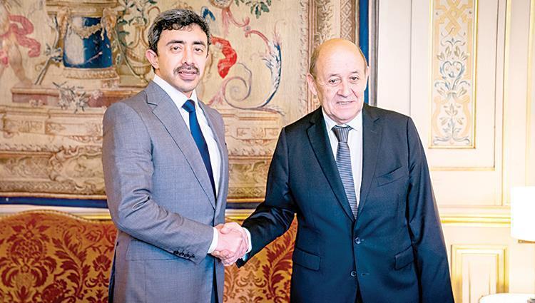 عبدالله بن زايد يبحث مع وزير الخارجية الفرنسي تعزيز العلاقات بين البلدين