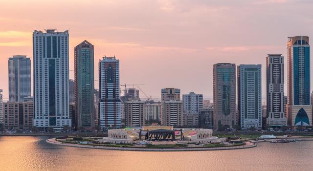كورونا يفرض أزمة تمويل في دبي والسعودية